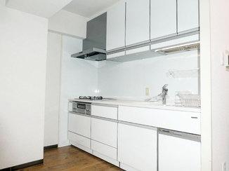 キッチンリフォーム 作業動線を改善し使いやすくなった収納力たっぷりのキッチン